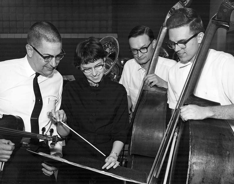 Linda Hershey with orchestra members in 1963